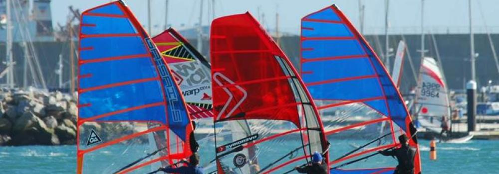Four Windsurfers Synchronised